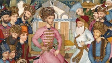تصویر هفت سرداری که شاه اسماعیل صفوی (ملقب به ابوالمظفر بهادرخان حسینی)بر تخت نشاندند