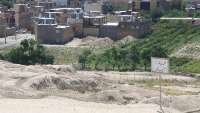 تصویر تپه تاریخی سیلک کاشان گرفتار ساخت و سازهای جدید
