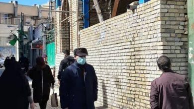 تصویر ساخت غیرقانونی بنا در عرصه شاهزاده حسین (ع)