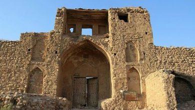 تصویر کاروانسرای صفوی «چنار راهدار» شیراز با مرگ دست و پنجه نرم می کند